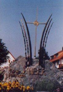 Grab,Metallkreuz-Kunstschmiede Mo-art