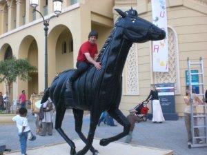 Tyre-Horse-art